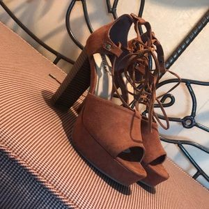 Just fab strappy size 8 tan high heels
